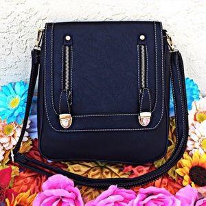 Handbags - Black crossbody
